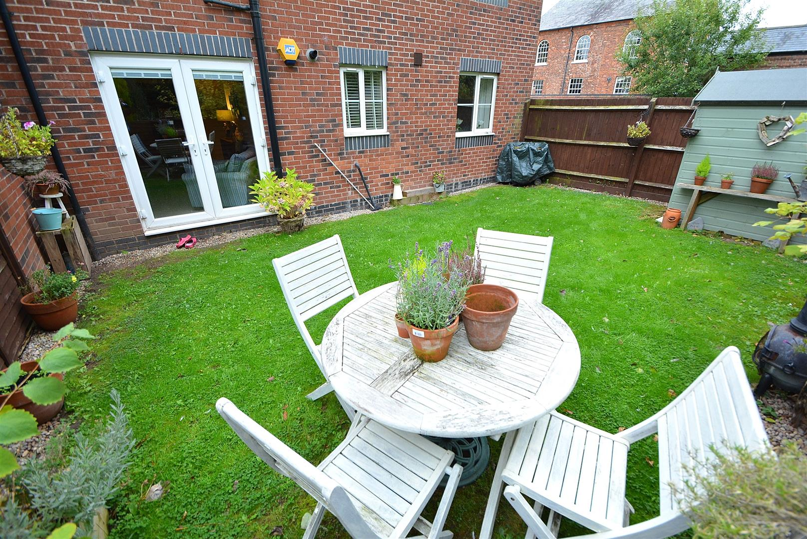 2 Bedrooms Maisonette Flat for sale in Wren Court, Sawley